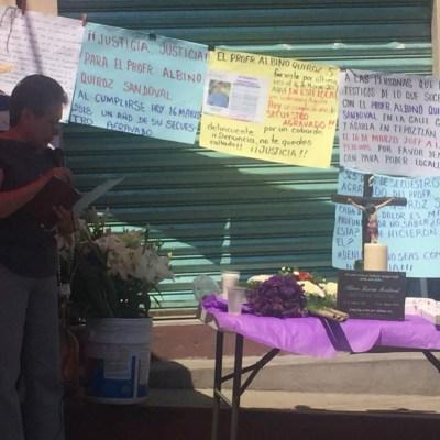 Familiares del profesor Albino Quiroz se manifiestan a un año de su desaparición en Tepoztlán