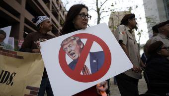 realizan primeras manifestaciones california llegada trump