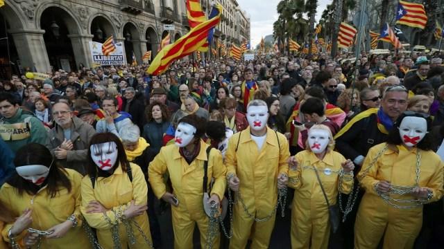 Catalanes exigen liberación de Jordi Sánchez, candidato a presidencia regional