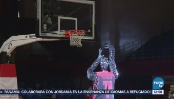 Robot vence a su oponente humano en tiros libres al jugar basquetbol