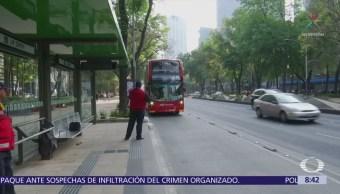 Saturan de publicidad paradas de Línea 7 del Metrobús