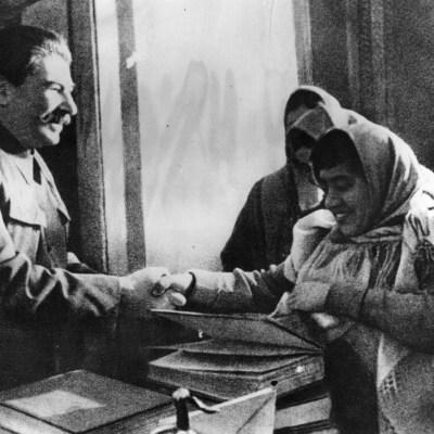 Así vivían las mujeres en la Unión Soviética