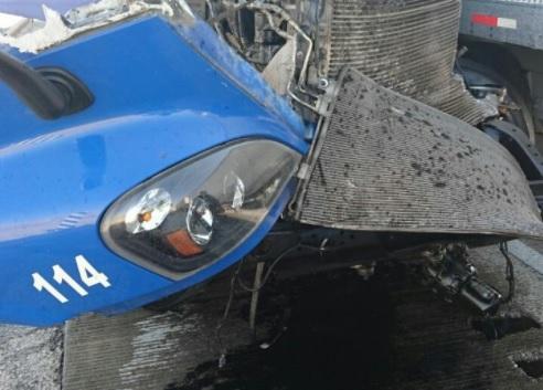 traileres chocan en la autopista mexico puebla, un herido