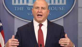 Casa Blanca niega que Trump planee despedir asesor seguridad McMaster