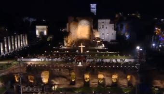 Inicia representación del viacrucis en el Coliseo de Roma