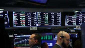 Wall Street abre al alza por impulso del sector salud