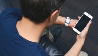Aumentan en España casos del síndrome del cuello roto por celular