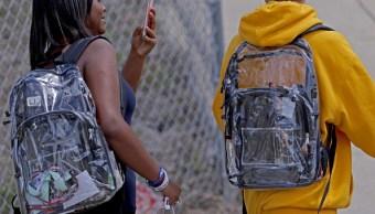 alumnos secundaria parkland florida reciben mochilas transparentes