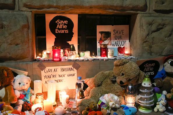 Murió Alfie Evans, donando su vida por un mundo más humano