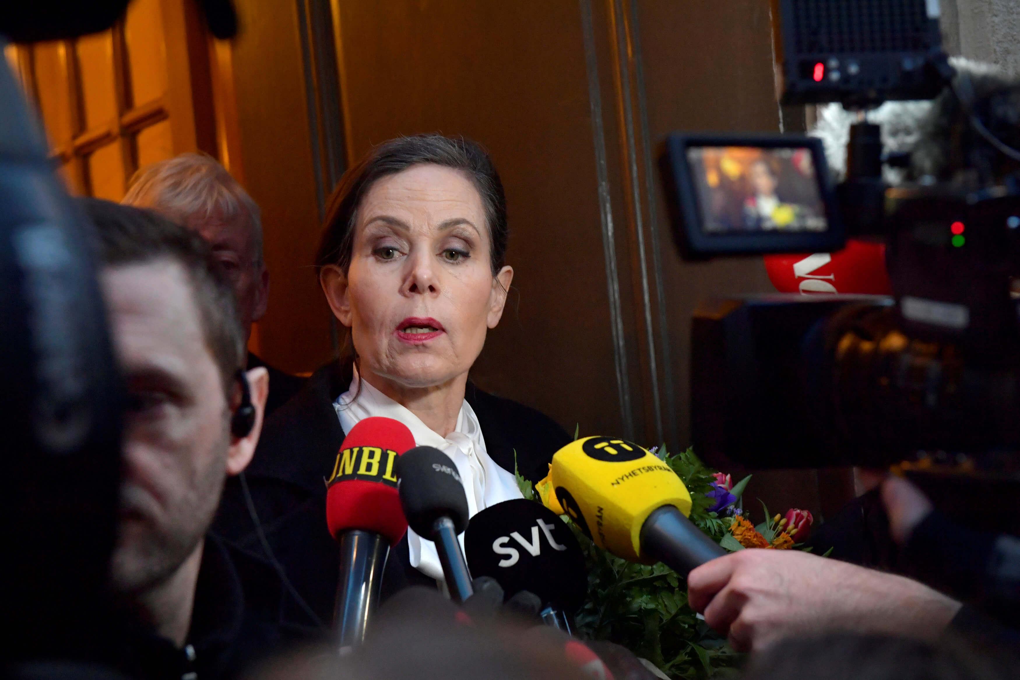 Renuncia directora de la Academia que otorga el Nobel de literatura
