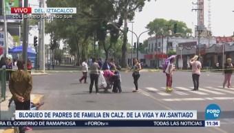 Alumnos y padres de familia mantienen bloqueo en La Viga, CDMX