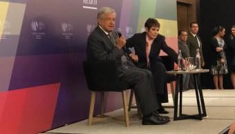 López Obrador ofrece garantías a inversionistas si gana la elección federal