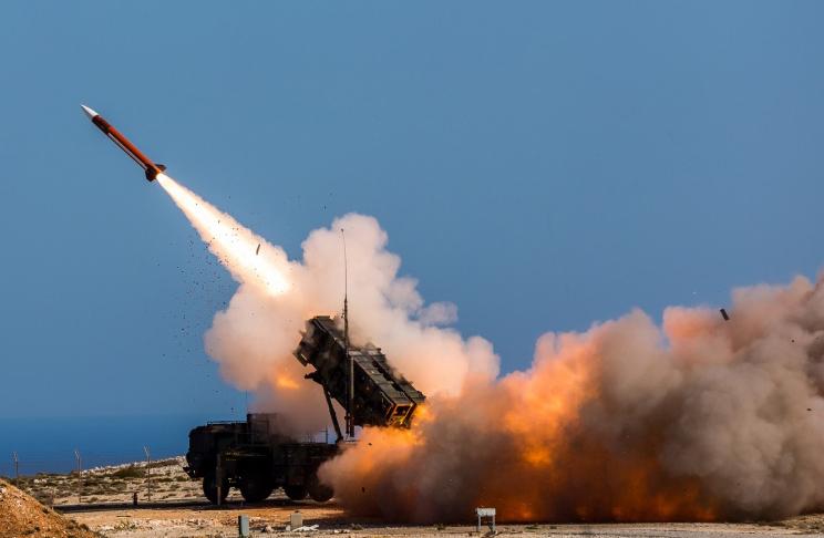 Rebeldes hutíes lanzan ocho misiles balísticos contra Arabia Saudita