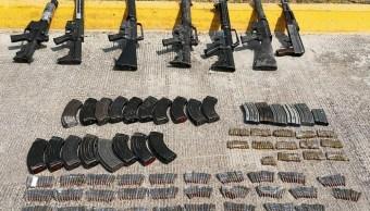 Detienen a 12 presuntos delincuentes en Michoacán