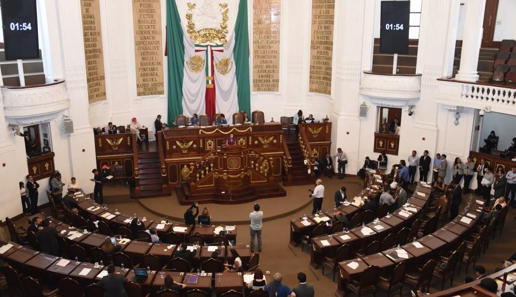Morena denuncia presiones a personal del gobierno capitalino