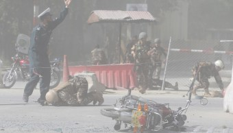 Suman nueve periodistas muertos tras atentado doble en Afganistán