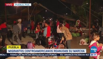 Caravana migrante reanuda su marcha en Puebla