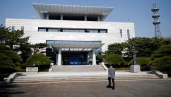 Trump sugiere reunirse con Kim Jong-un en frontera de Corea del Sur