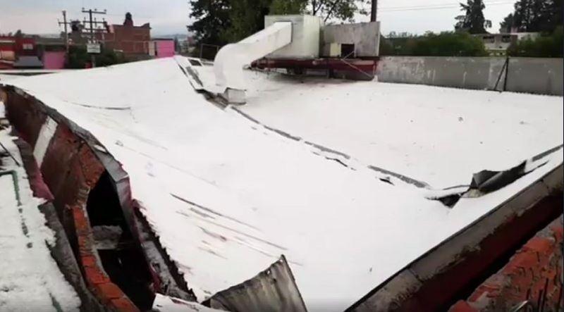 Granizada provoca inundaciones en Toluca