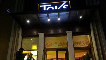 Sujetos armados asaltan a comensales y caja de restaurante en Tlalpan