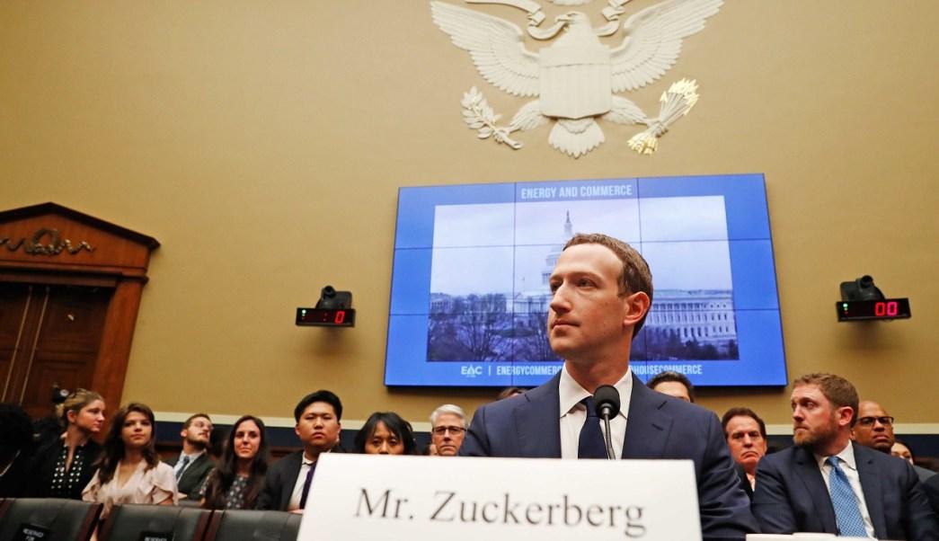 Zuckerberg admite que sus datos personales también fueron robados y vendidos