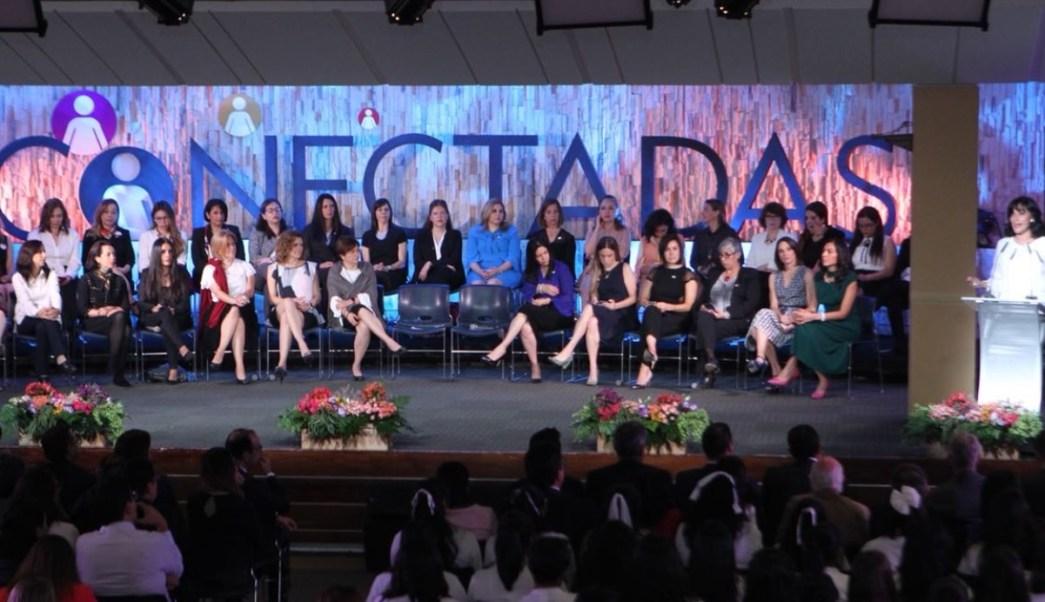 """Presentan iniciativa """"Conectadas"""" para impulsar a mujeres en telecomunicaciones"""