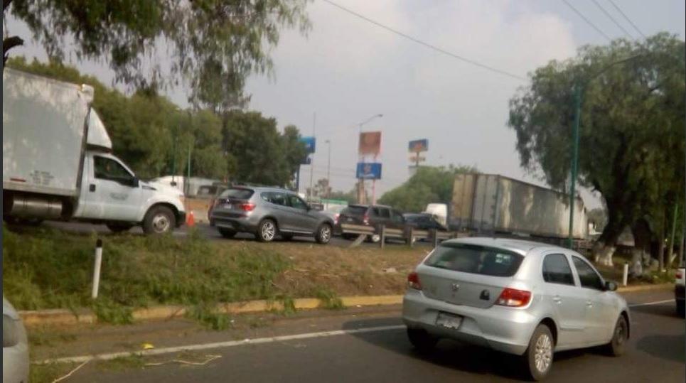 accidentes dejan un muerto y varios heridos en autopista mexico queretaro