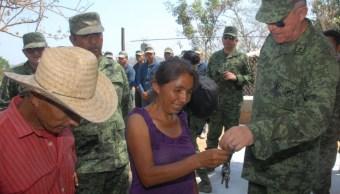 entrega 15 viviendas a damnificados del sismo en Santiago Jamiltepec, Oaxaca