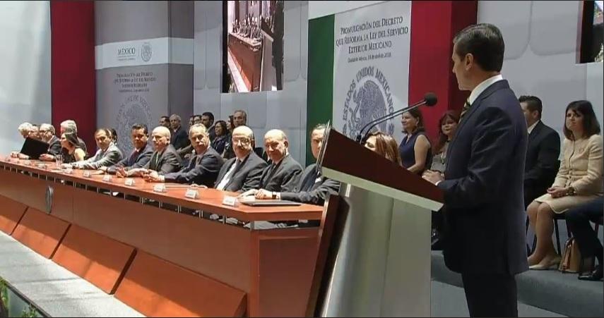 EPN: Reforma a ley es positiva para el Servicio Exterior Mexicano