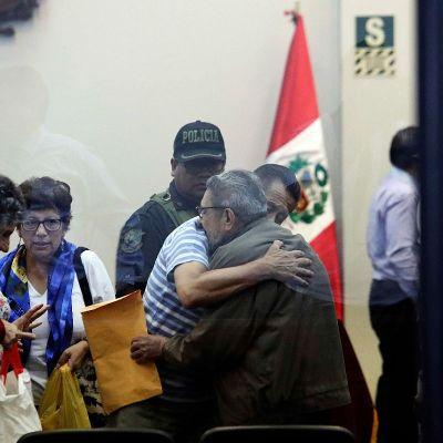 Exnúmero dos de Sendero Luminoso sale de prisión en Perú
