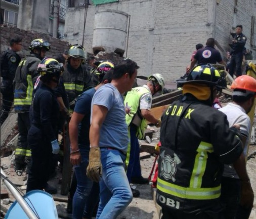 Mateos Hernández se solidariza con víctimas de derrumbe en Iztacalco