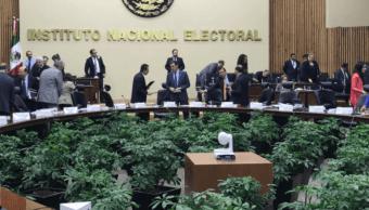 Consejo General del INE aprobó moderadores y formato del primer debate presidencial