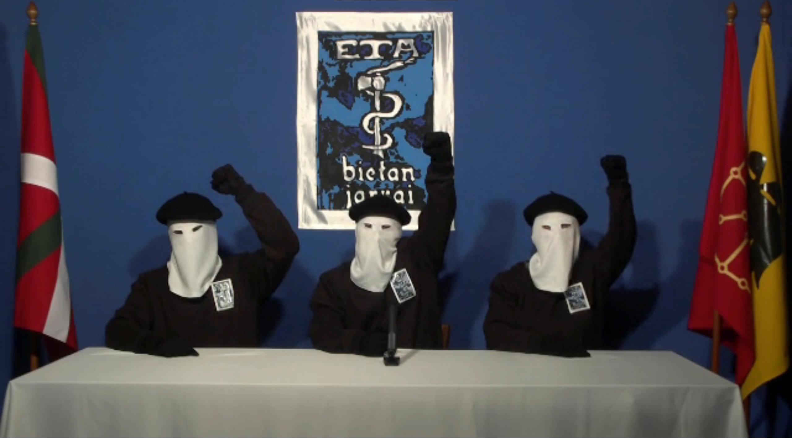 ETA anuncia su disolución para el primer fin de semana de mayo