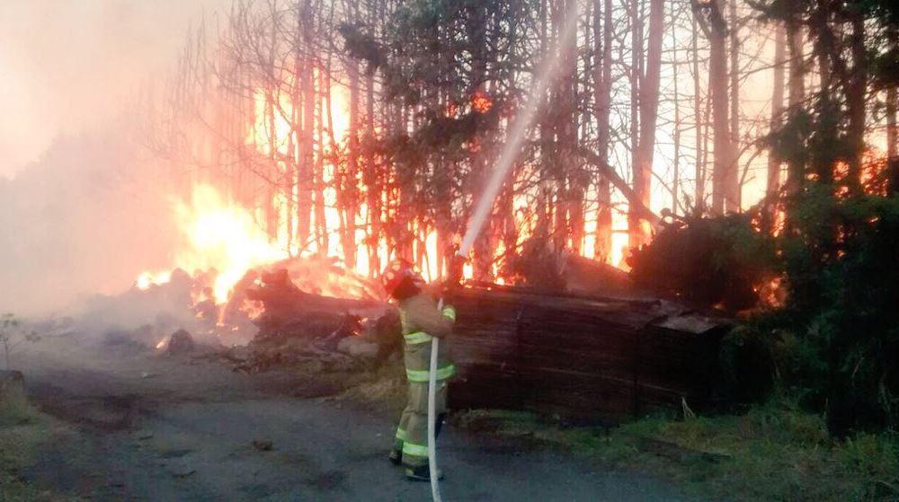 Se registra incendio en aserradero de Tenango, Edomex