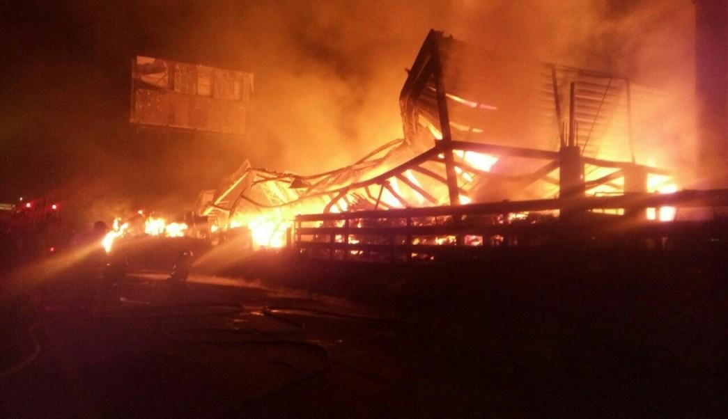 incendio destruye f brica de muebles en tonal jalisco