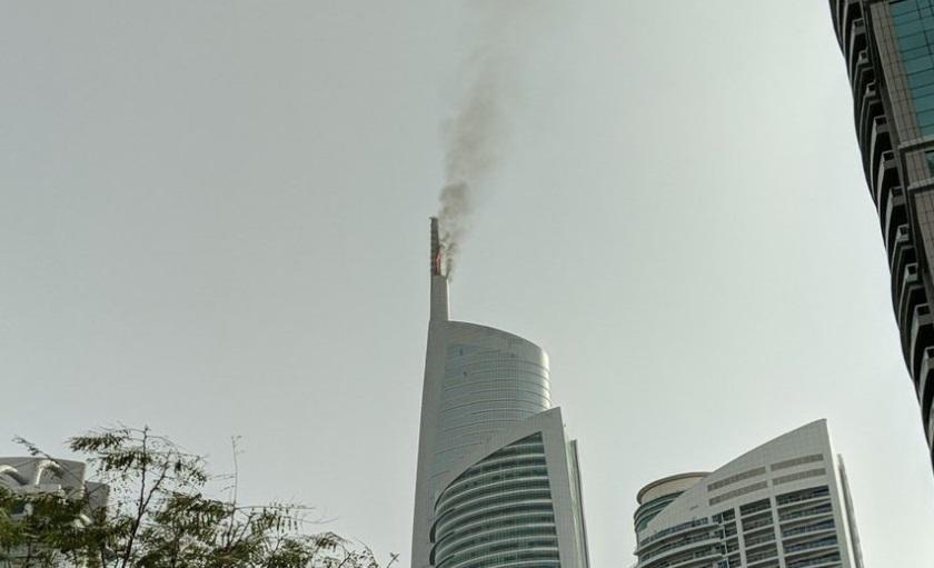 Nuevo incendio en rascacielos sorprende a habitantes de Dubái
