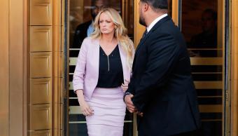 Juez pospone demanda actriz porno Donald Trump