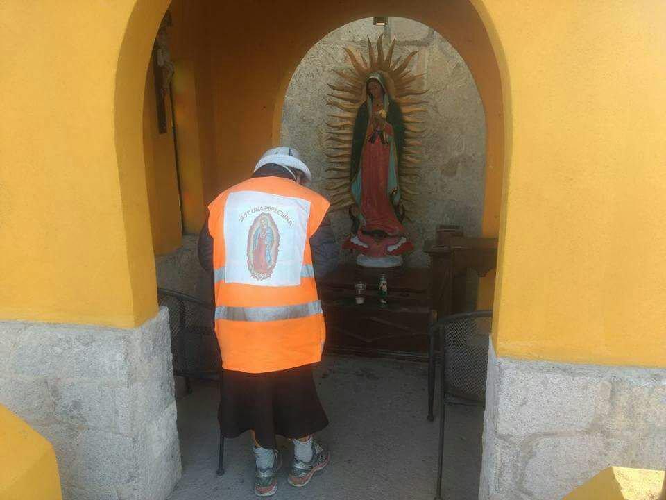 'La abuelita peregrina' camina desde Monterrey