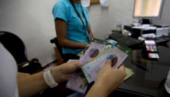 Maduro sube el salario mínimo integral