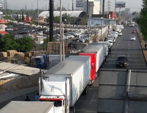 Tránsito pesado en la autopista México-Querétaro por manifestación de transportistas hacia CDMX