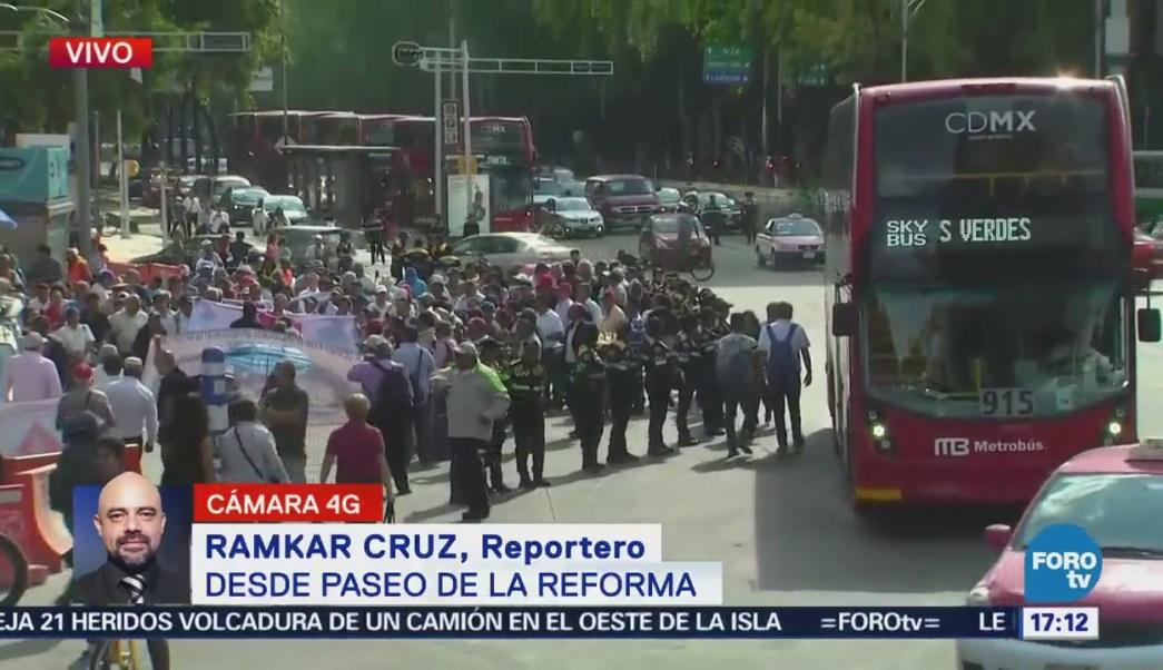 Manifestación entorpece circulación por Reforma