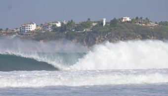 Emiten alerta por mar de fondo en costas de Oaxaca; hay restricción a la navegación