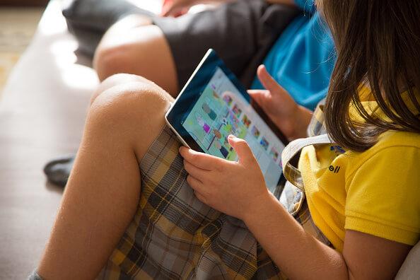 Resultado de imagen para niños celular mexico
