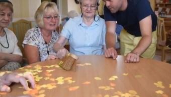 Reino Unido desarrolla proyecto para personas con demencia senil
