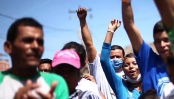 Caravana migrante recibe apoyo en su paso por Sonora