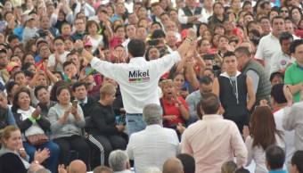 Mikel Arriola se reúne con jóvenes emprendedores en Cuauhtémoc