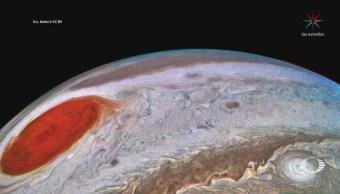 NASA revela imágenes de la mancha roja de Júpiter