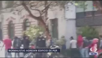 Normalistas Protestan Frente Pgr Cdmx