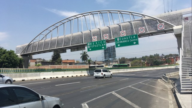 Cierran tres carriles del Paso Exprés en Cuernavaca por mantenimiento
