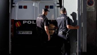 España detiene a enfermera y jefe de seguridad de Hugo Chávez